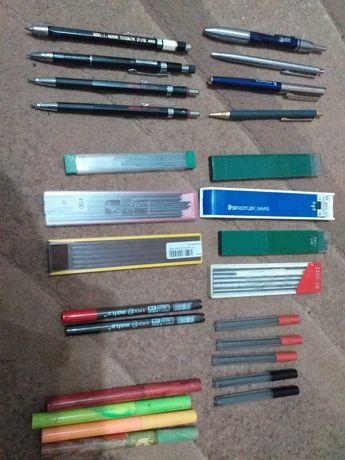 vand diverse creioane mecanice de colectie cu mina de 2 mm sau pixuri