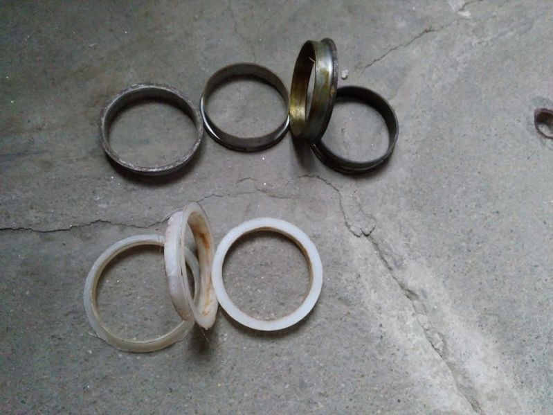 Продавам втулки за джанти гр. Павликени - image 1
