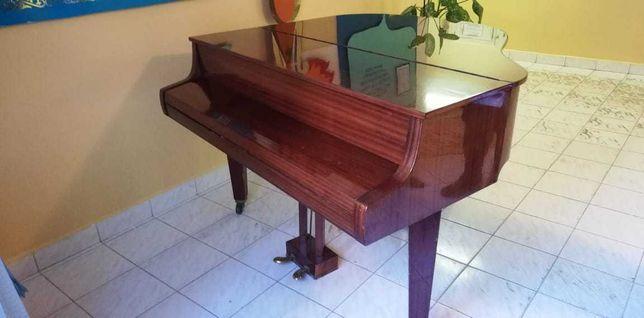 Фортепиано  Немецкой  фирмы Gerbshtadt 150/145 см.