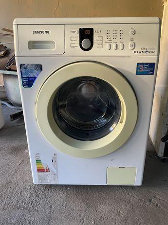 Продаются две стиральные машины. Автомат
