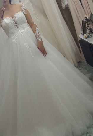Булчинска дизайнерска рокля