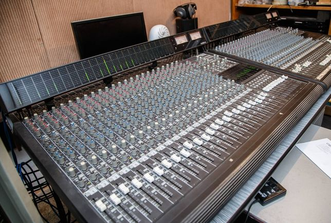 Mixer Mackie 24x8