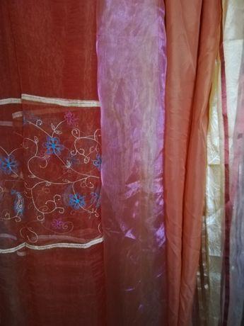 Копринени завеси