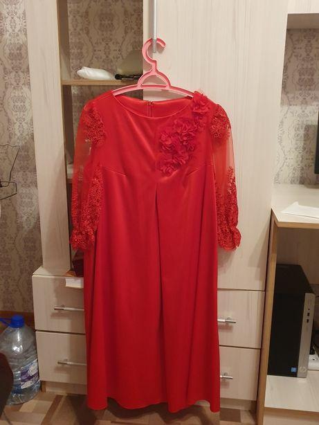 продам платье красное