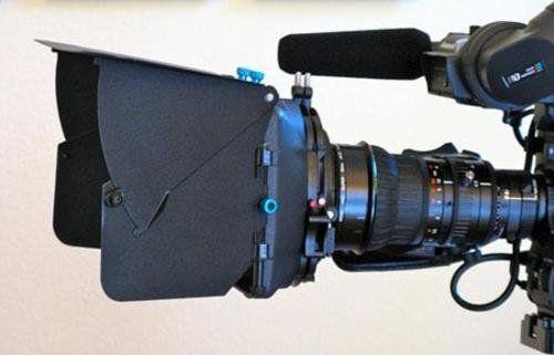 Matte Box PROAIM MB-700 на камерата с обектив 72мм