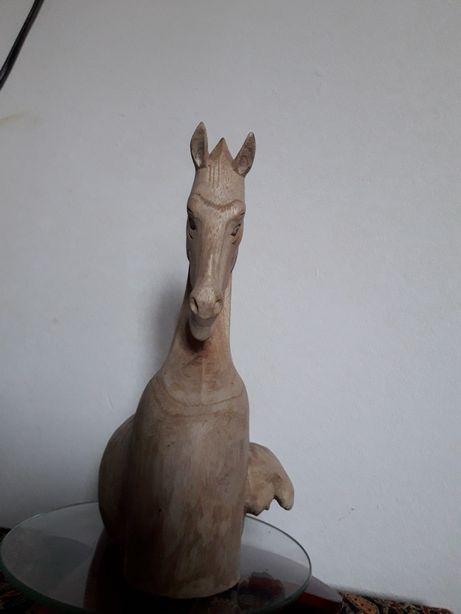 Sculptură cal