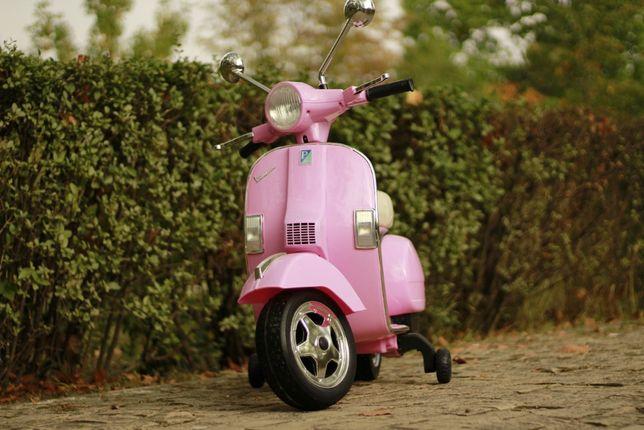 Scuter electric pentru copii Piaggio Vespa Roller 50W 12V 7Ah #Pink