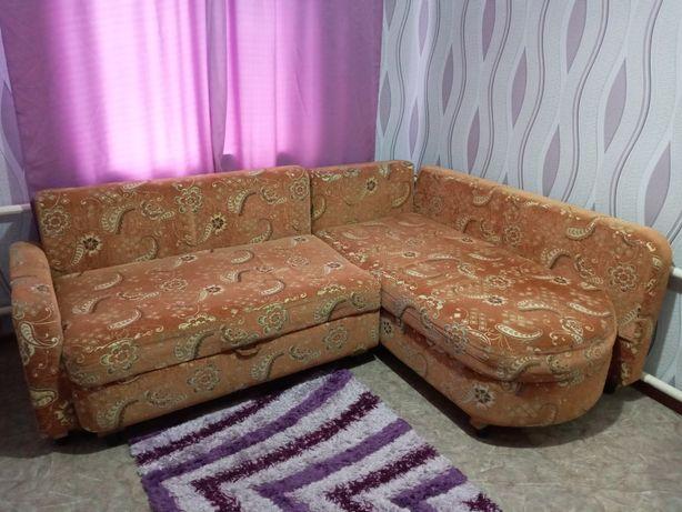 Продам угловой диван б/ у
