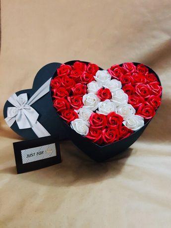 Вечни рози в кутия. Подарък за жена. Свети Валентин