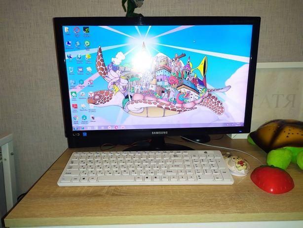 Компьютер (колонки + клавиатура + мышь)