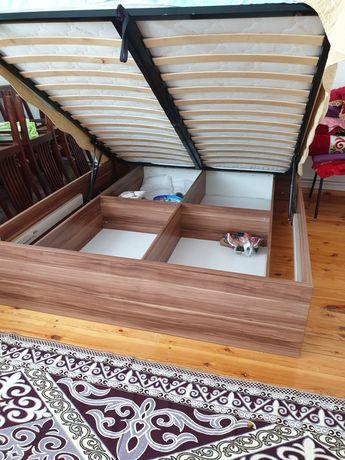 Турецкая кровать с комодом