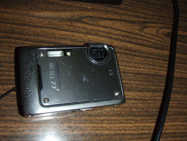 Aparat foto digital 7.1Mpx Olympus u770SW + incarcator si card 1Gb
