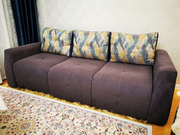 Продам мягкий уголок (диван с креслом и пуфиком - 3 набора). Россия