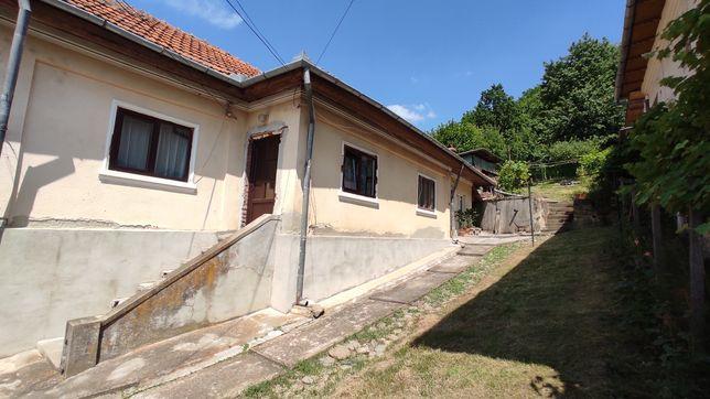 Vand casa 3 camere cu teren