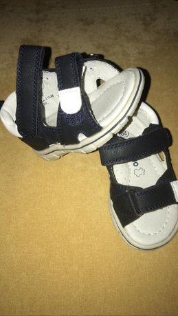 Детские сандалии 20 размер