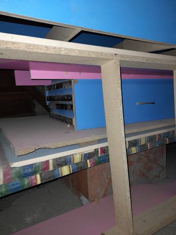 Продам двух этажный кровать