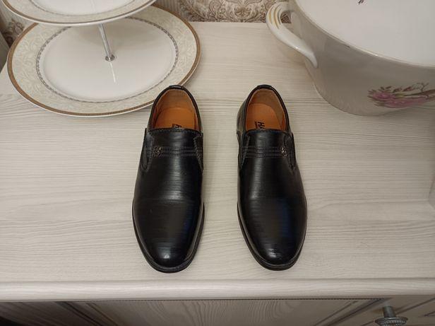 Обувь детская продается