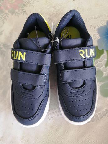 Новые кроссовки 31-32 размер