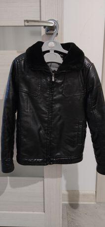 Куртка тёплая на мальчика 6-7лет