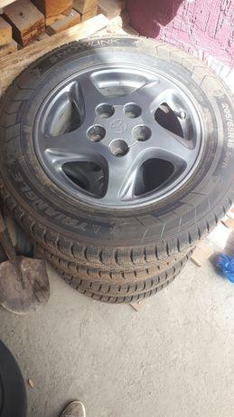 Продам зимние шины с дисками  (TRIANGLE)