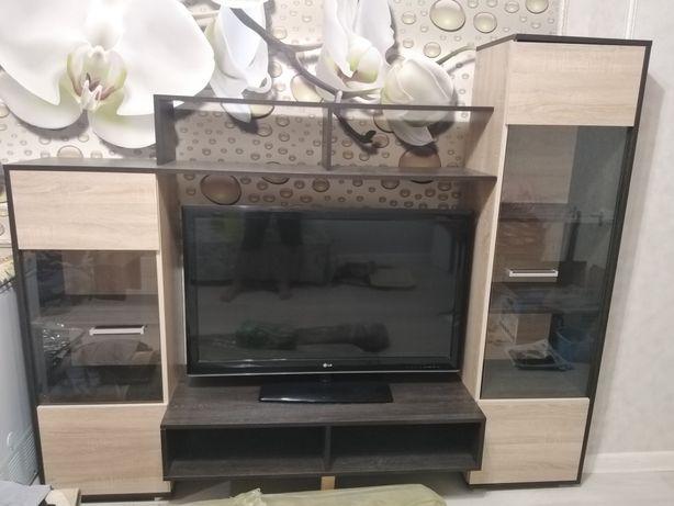 Подставка для телевизора с сервантом продается(срочно)