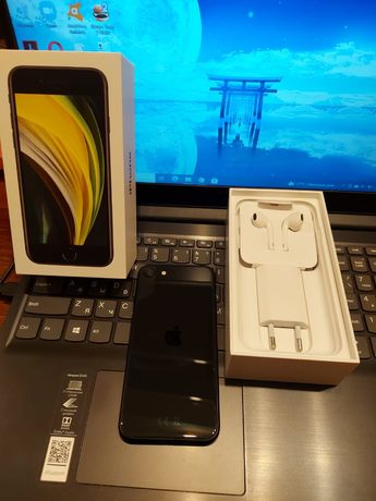Продам Iphone SE 2020