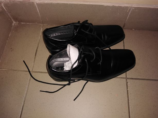 Pantofi negri de lac nr. 38