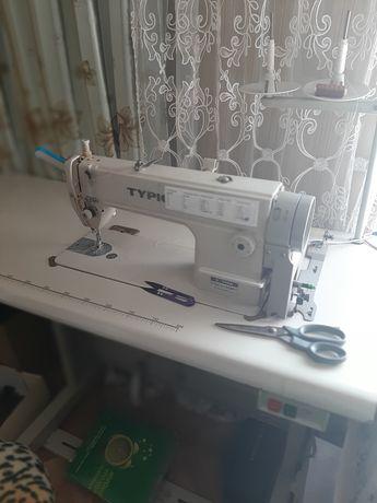 Продам срочно швейную машину
