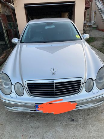 Dezmembrez Mercedes E270 2.7 cdi