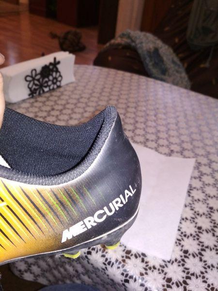 Юношески бутонки Nike гр. Пловдив - image 1