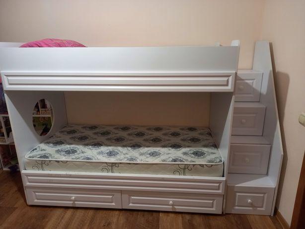 Срочно Двухярусная кровать