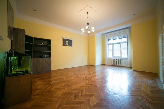 De vanzare apartament central