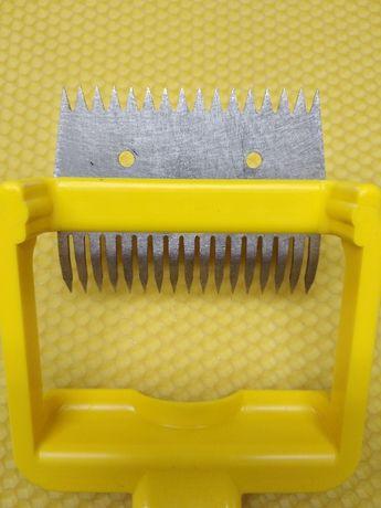Пчеларска вилица обратна пластмасова дръжка- Пчеларски инвентар