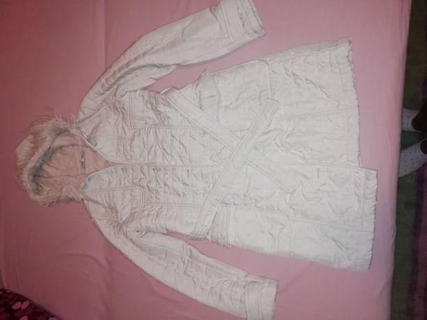 Vand geaca matlasata lunga alba tip palton Koton masura 34
