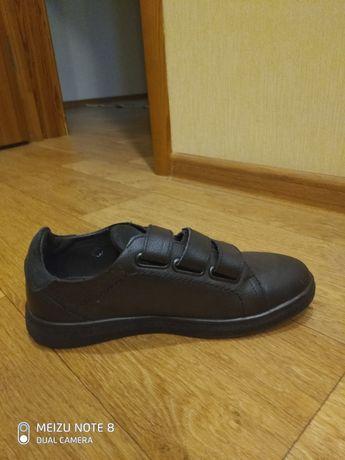 Ботинки подростковые, 38 р. из натуральной кожи, новые, осень - весна.