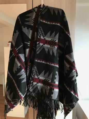 Пончо Bershka, десен - индиански мотиви в сиво и бордо