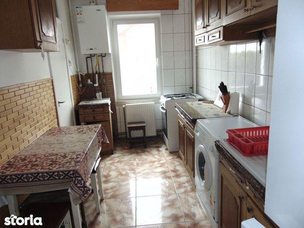 CC/148 Apartament cu 4 camere în 7 Noiembrie