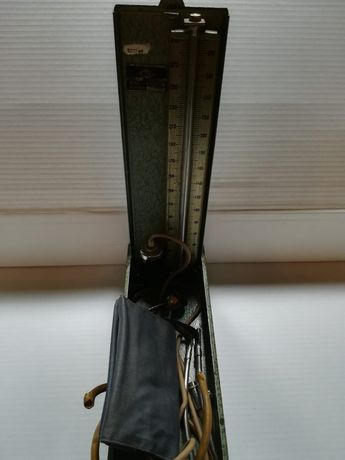 Tensiometru vechi cu coloana de mercur-anii '70