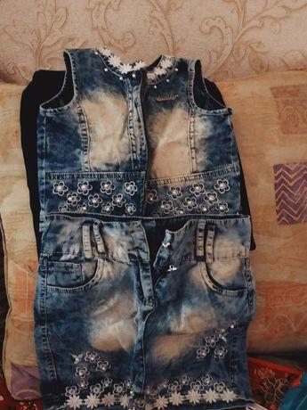 Продается одежда для девочек 4-6 лет в отличном состоянии.
