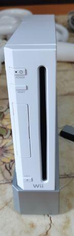 Vând Nintendo Wii