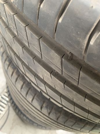 235 60 18 Michelin vara