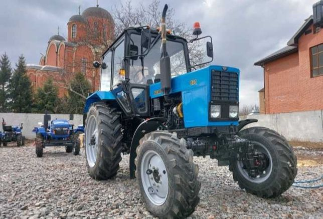 Продам трактор мтз восимдисятьдва.один 2021 год