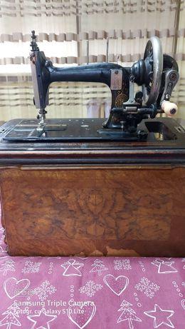 Masina de cusut manuala germana marca Biesolt&LockeMeissen