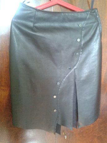 Продавам кожена пола