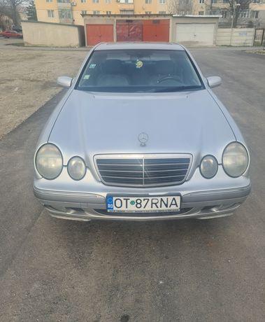 Mercedes-Benz E 270 CDI AVANTGARDE