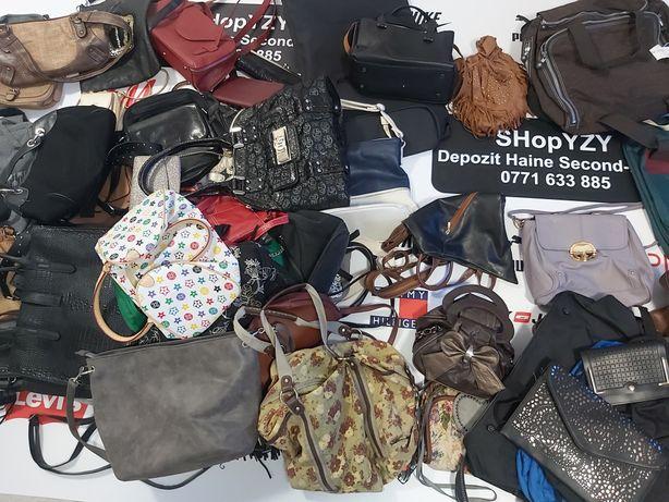 Depozit haine second hand vinde poșete/genți