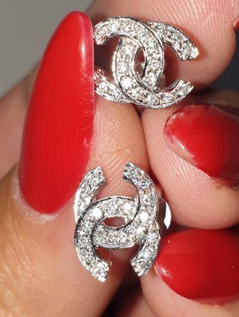 Золотые пуссеты с бриллиантами