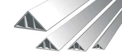 Profil triunghiular/ sipca triunghiulara din PVC pentru cofraje 100ml