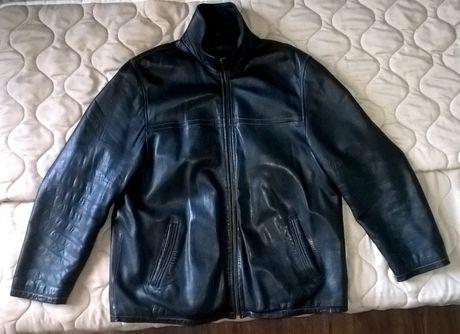 Продавам мъжко, черно кожено яке от естествена кожа