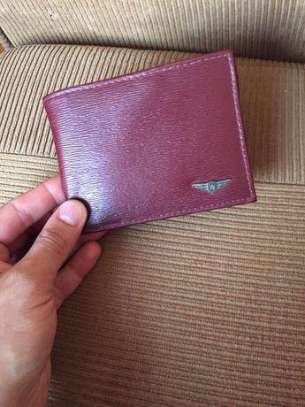*Чисто НОВ* Луксозен марков мъжки портофейл цвят бордо много отделения